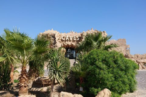 Caves%20Beach%20Resort Eingang 480x320