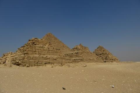 Pyramiden%20in%20Kairo%20ansehen 480x320