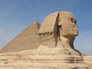 Sphinx und Pyramiden in Kairo